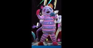 マスクドシンガーネオンパンダの画像