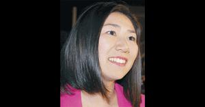 牧島かれんの2012年当選時の画像